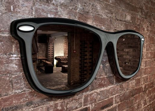 Make sure you're always Looking Good by checking your reflection in this spec-tacular sunglasses mirror.