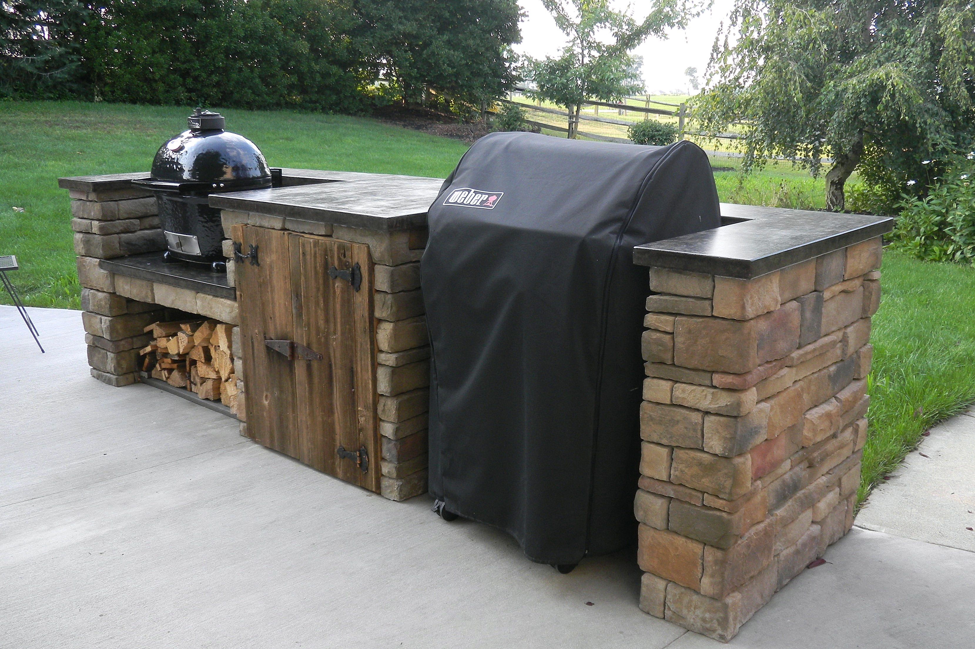 Outdoor Küche Mit Weber Kugelgrill : New home for primo grill and weber grill grill diy outdoor