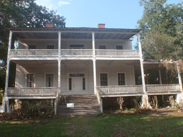 415 Main St Barnwell Sc 29812 Historic Homes For Sale Old Houses Old House Dreams