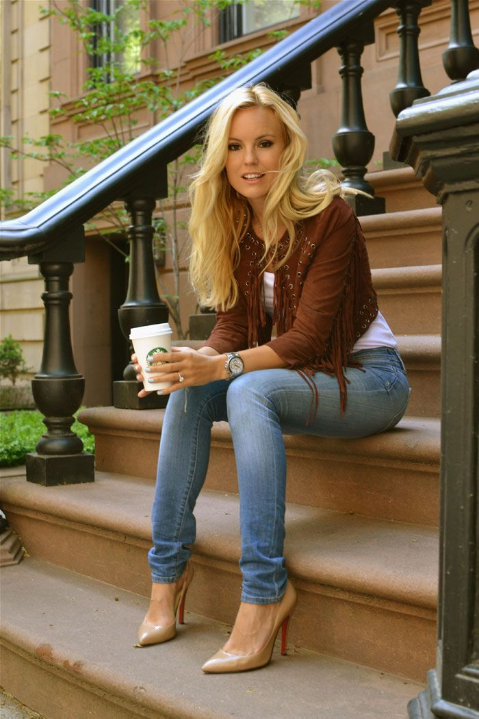 celebinspire: Sofi Fahrman Are those Carrie Bradshaw's stairs? Me ...