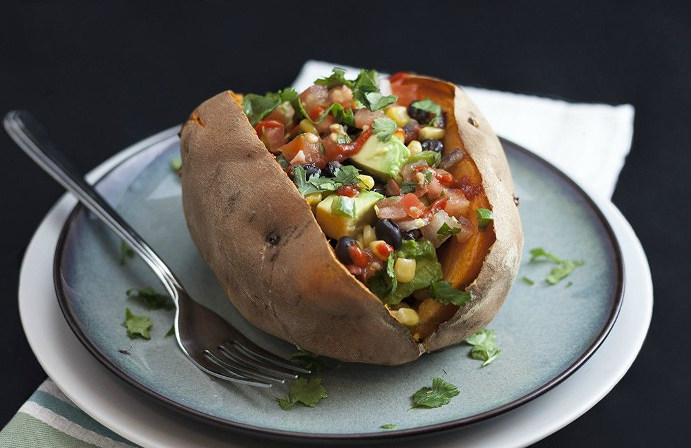 Can't stop making (and eating) these loaded sweet potatoes! [345 cals]