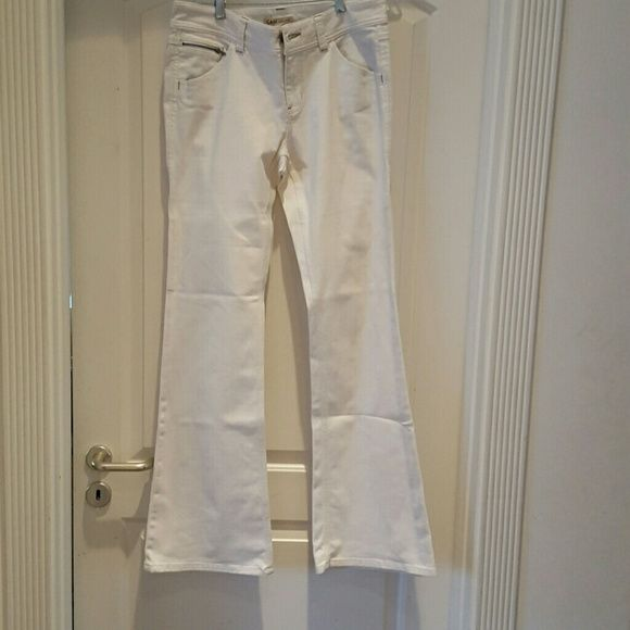 Cabi jeans, long. Boot cut. Well-maintained. Nice zipper detail with gold thread  as well. CAbi Jeans Boot Cut