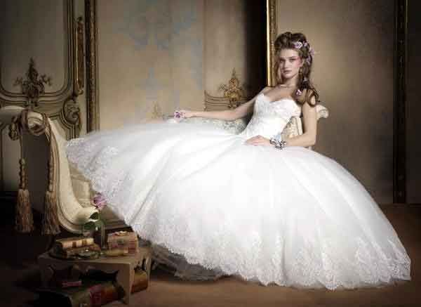 Best 25+ Disney Wedding Gowns Ideas On Pinterest