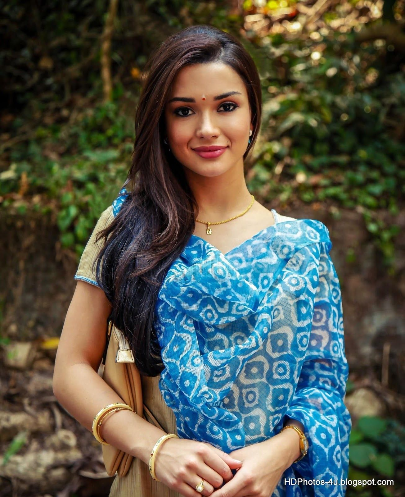 Singh Is Bling Actress Amy Jackson Hd Images Wallpapers Amy