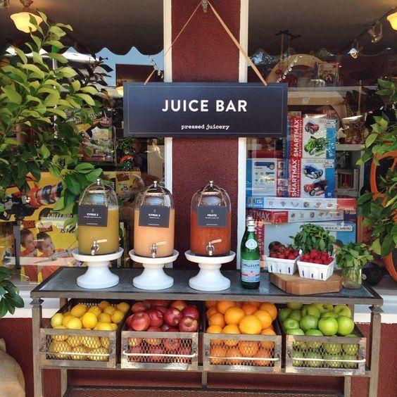 Juice Bar Showing The Fresh Fruit Ret330 Innovation In