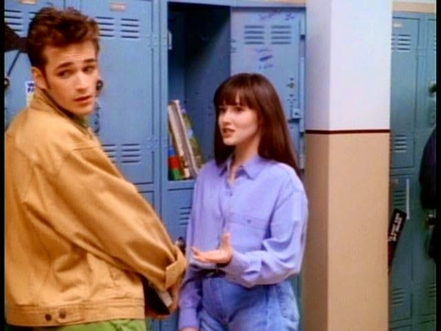 Brenda Walsh 90210 Pinterest In Jeans Let S Make Fun Of All The Clothes From Famous Original Beverly Hills 90210 90210 Fashion Shannen Doherty