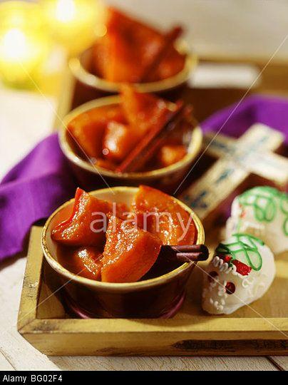Stewed cinnamon pumpkin in syrup. © John Kelly / Alamy