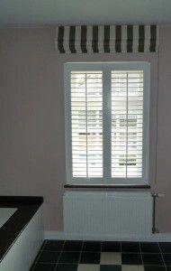 shutters geplaatst in badkamer ,shutters in gesloten stand ...