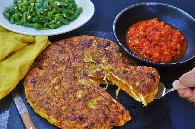 Süßkartoffel-Tortilla mit rauchiger Paprika-Tomatensalsa - Kubiena - Kochblog
