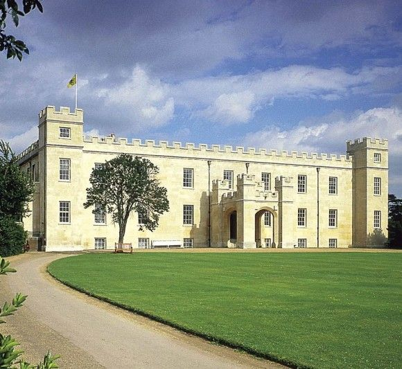 Described By John Betjeman As The Grand Architectural Walk Syon House And Its 200 Acre Park Is London Home Of Duke Northumberland