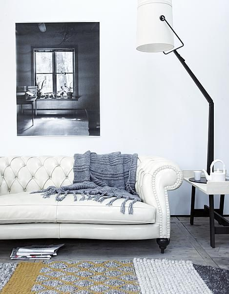 White chesterfield couch living room  vtwonen WOONKAMER