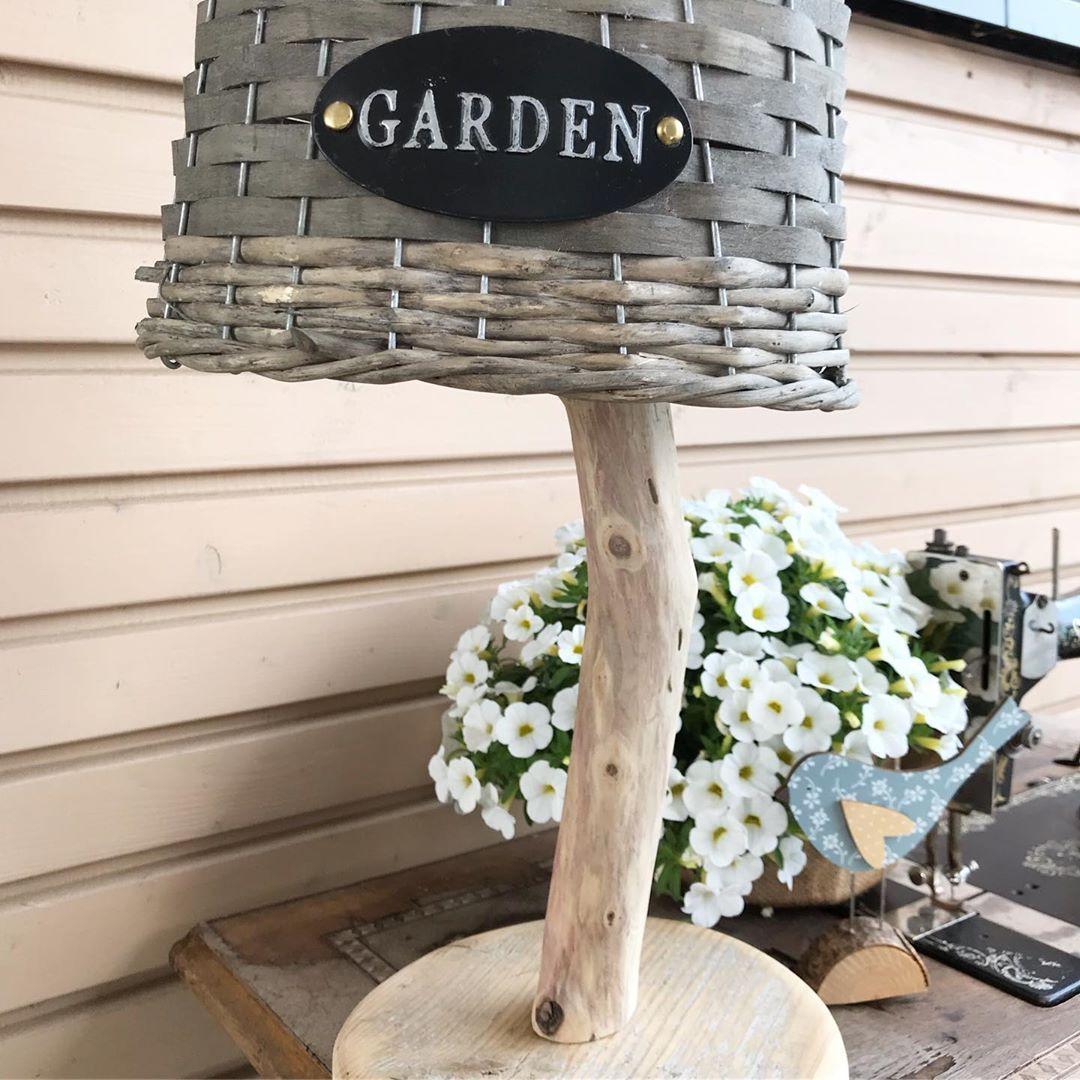Und Schon Meine Idee Umgesetzt Und Fix Eine Passende Lampe Fur Mein Outdoorsideboard Gebaut Ist Die S Outdoor Decor Outdoor Furniture Decor