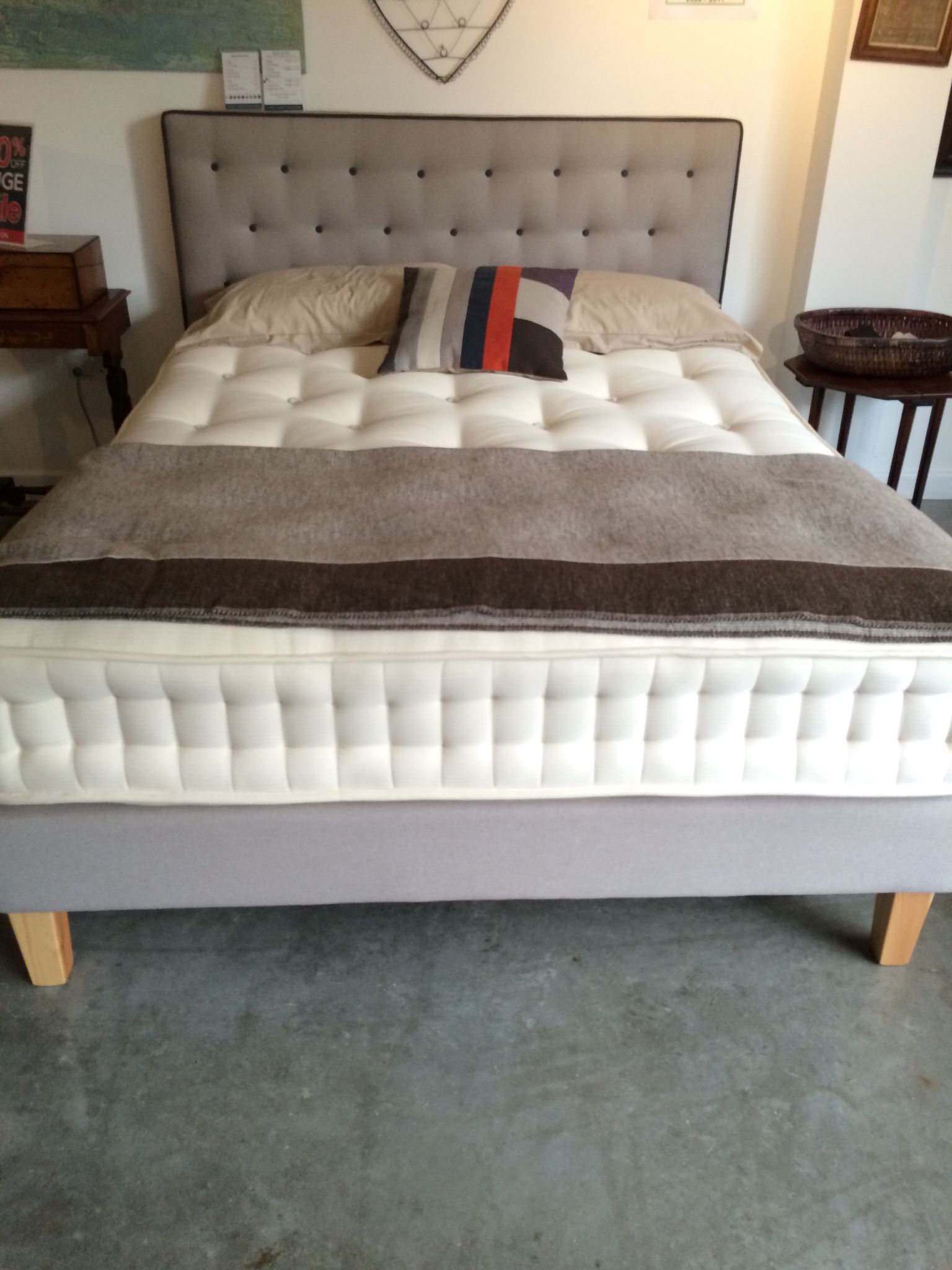 Warren Evans Manhattan Bed