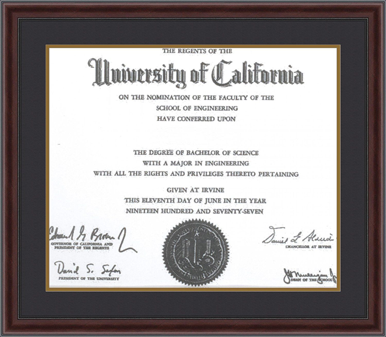 ArtToFrames Mahogany and Burgundy With Beaded Lip Diploma Frame with ...