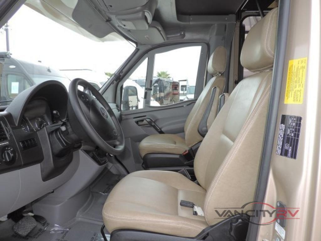 New 2019 Dynamax isata 3 24RW Motor Home Class C - Diesel at