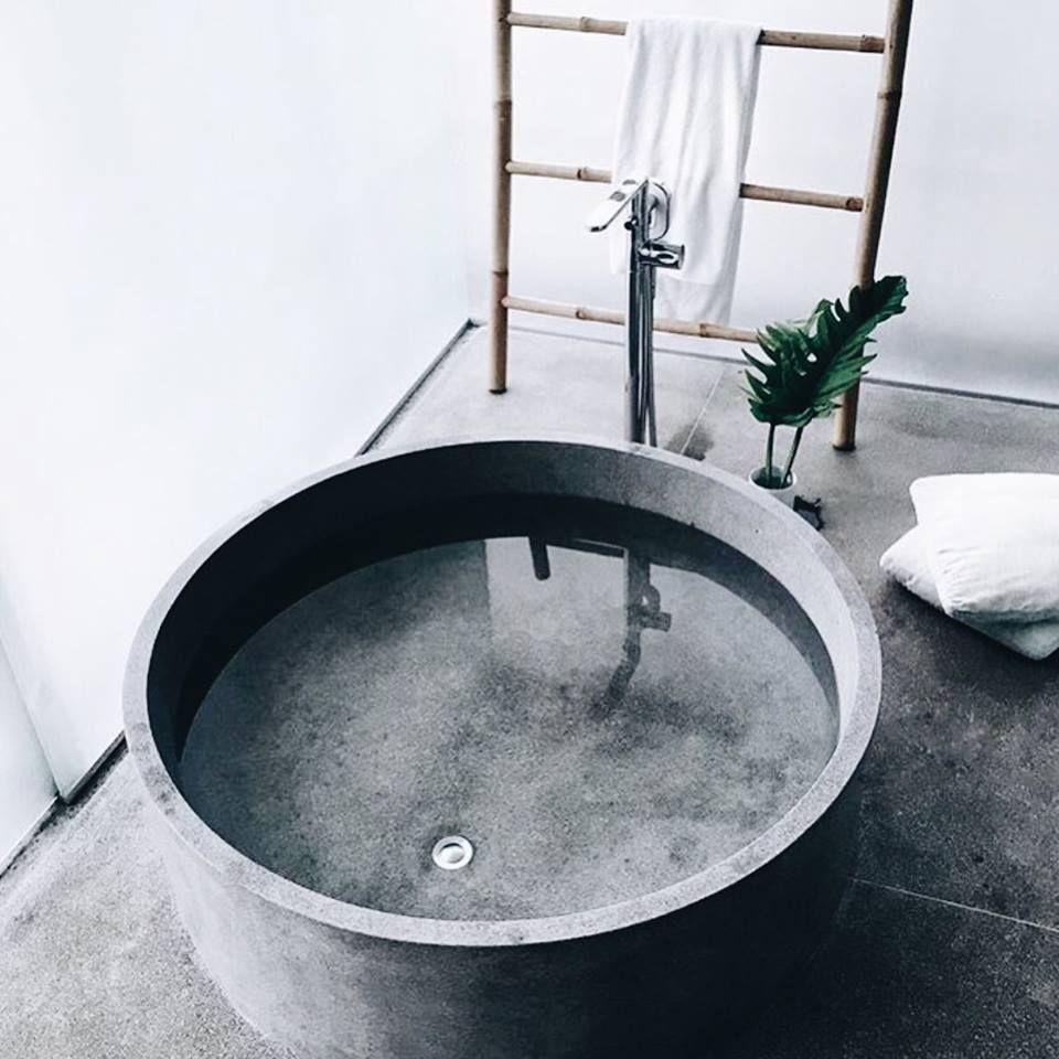 Bac en zinc pour baignoire home deco pinterest for Deco salle de bain baignoire