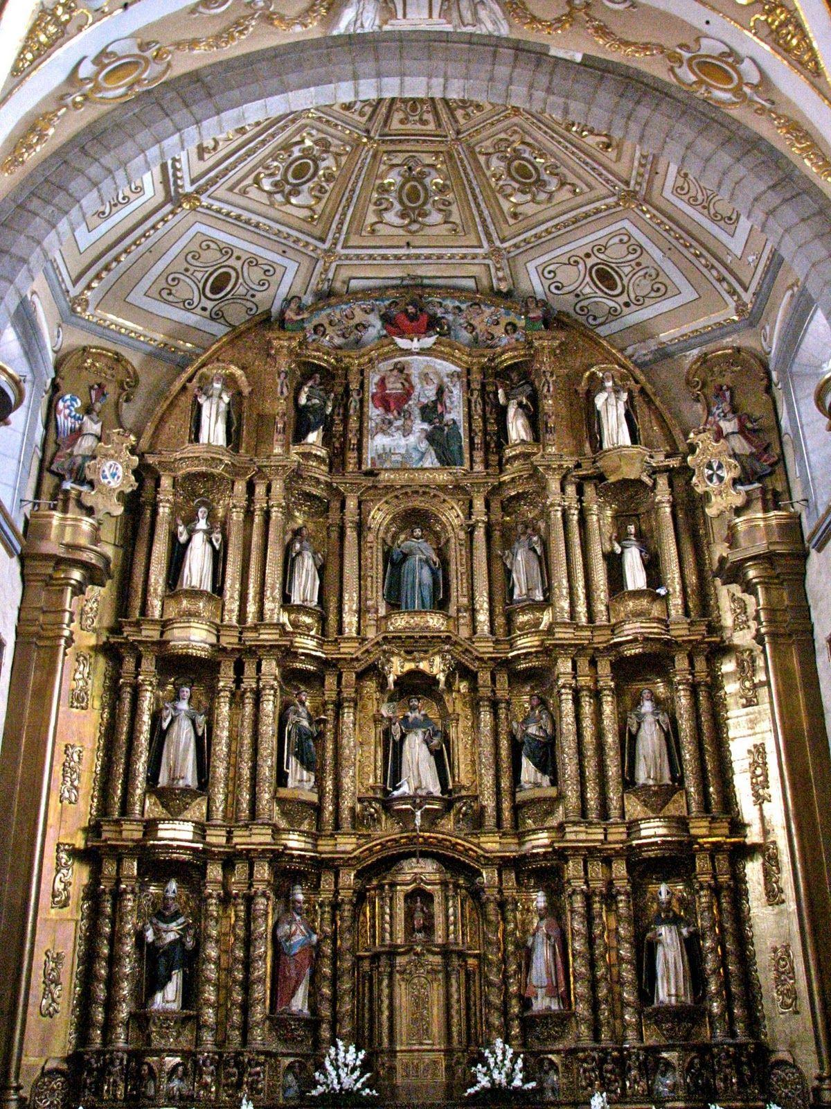 Convent of Santo Domingo's Capilla del Rosario retablo, Puebla, Mexico.