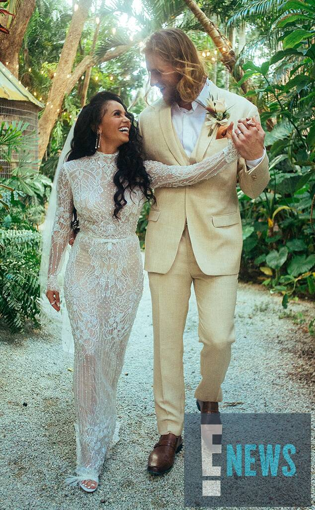 Photo of Riverdale's Vanessa Morgan Marries MLB Star Michael Kopech
