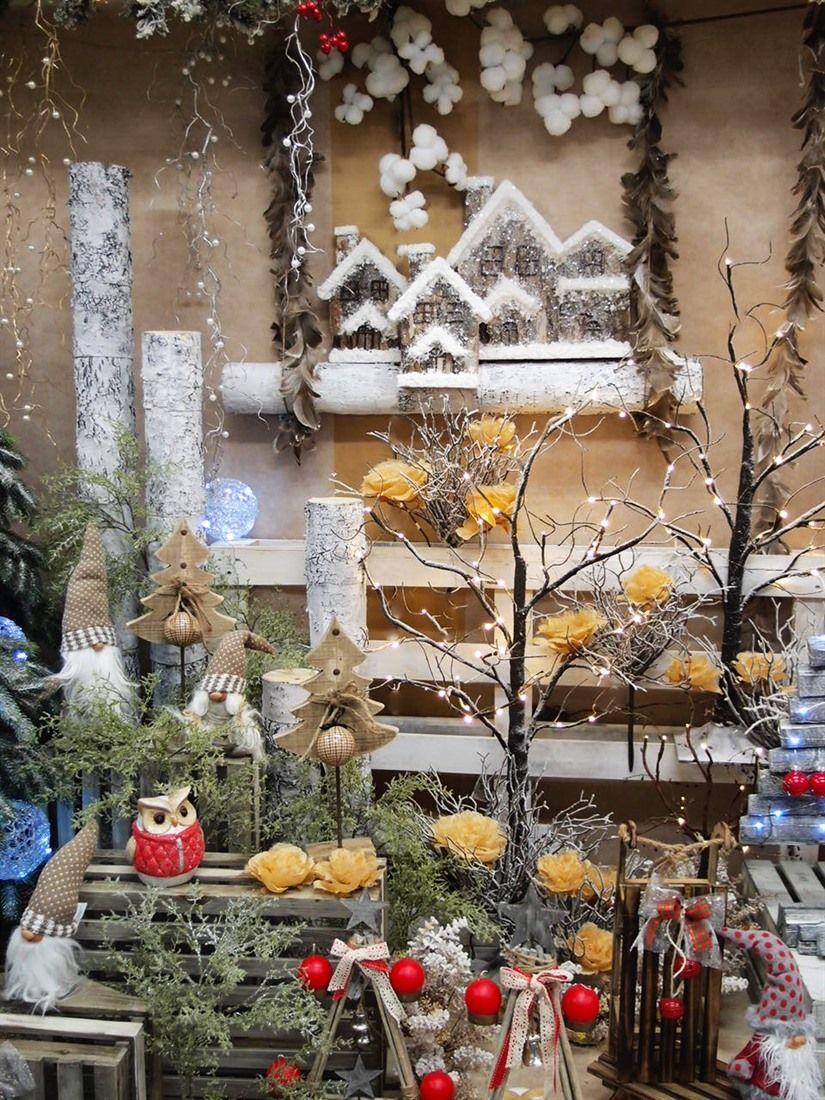 Paesaggio natalizio incantato Idee creative per vetrine Online accessori per allestimenti e