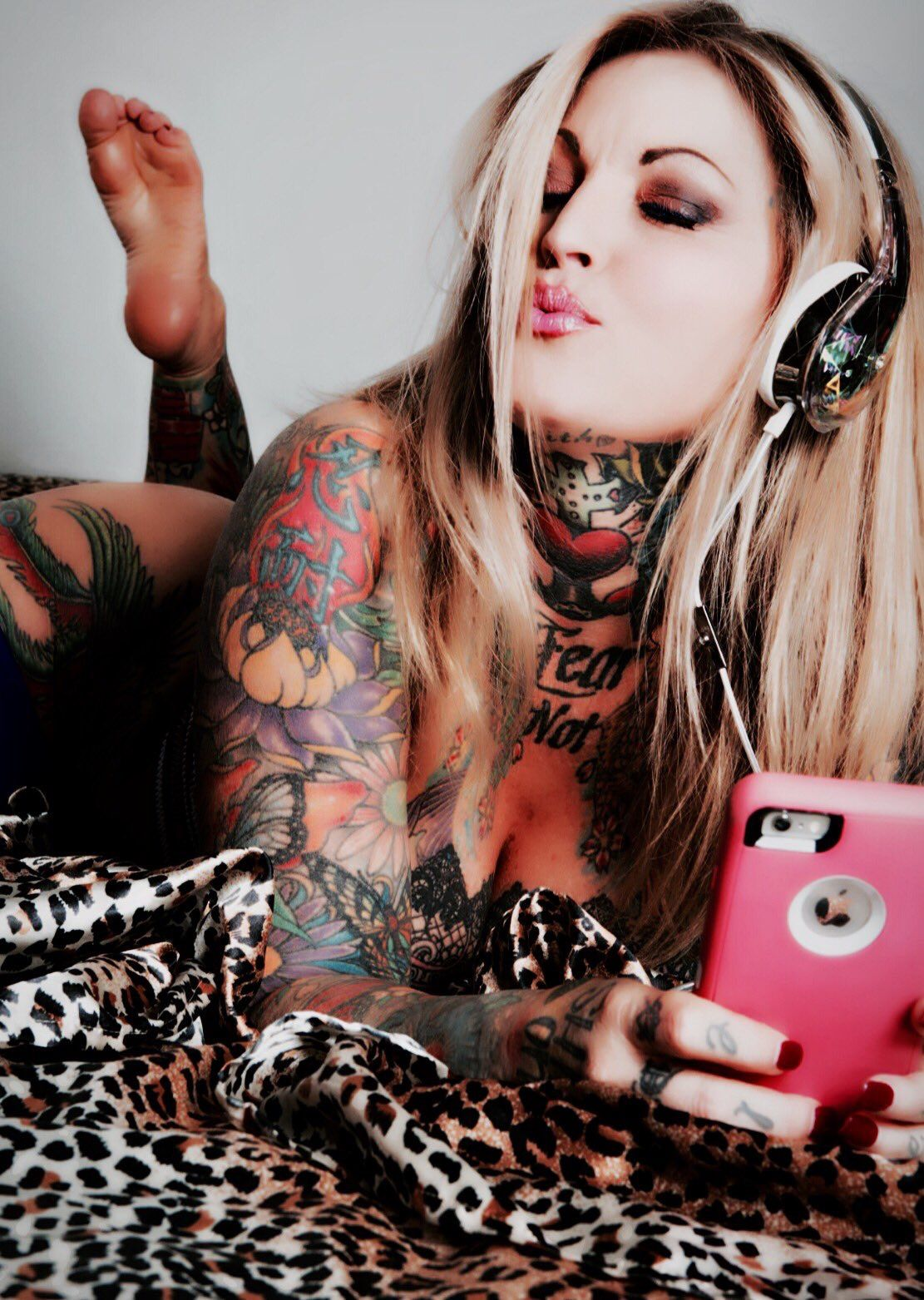 Janine Lindemulder Milani Pin Up Cute
