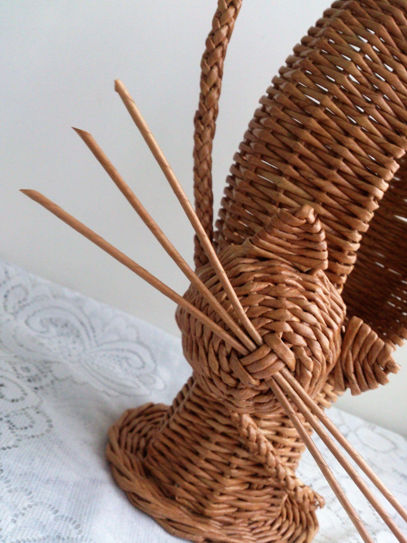 сейчас плетение из трубочек новое картинки диване