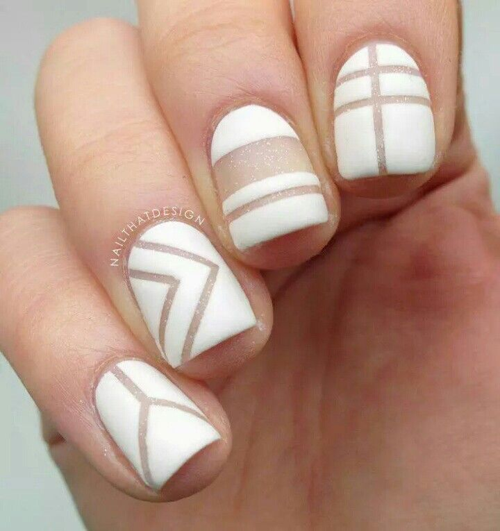 White gemotric patterned nails