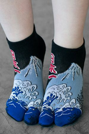 """d72a87cbbb2 These Tabi socks offer a Hokusai print and kanji that apparently reads  either """"Japan is  1″ or """"Best of Japan"""". By the looks of things this could  be a ..."""