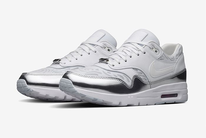 Buy Authentic Nike Air Max Classic SI Running Shoes White