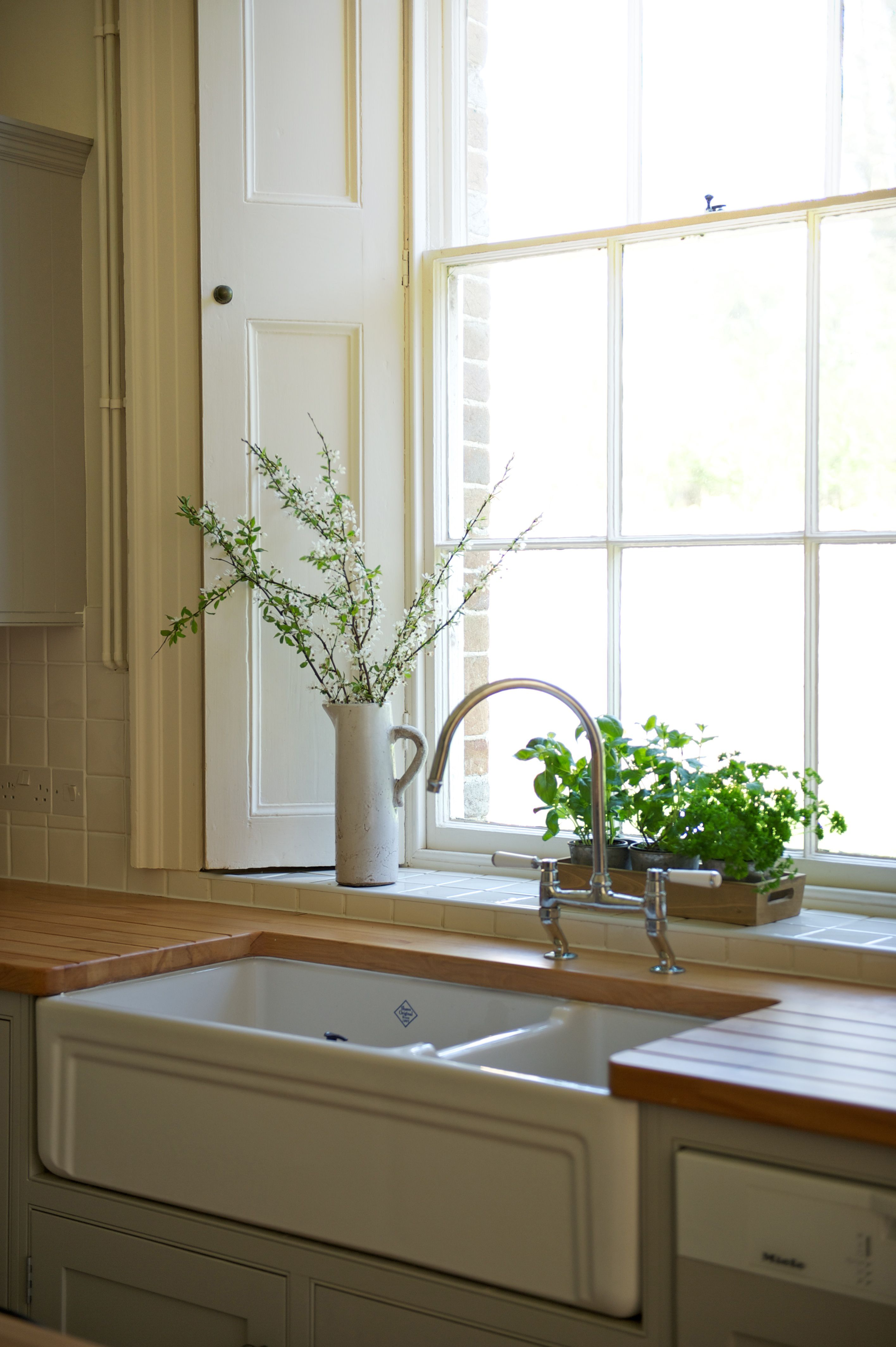 Have the largest kitchen sink you can accommodate. Velvet & Dash ...