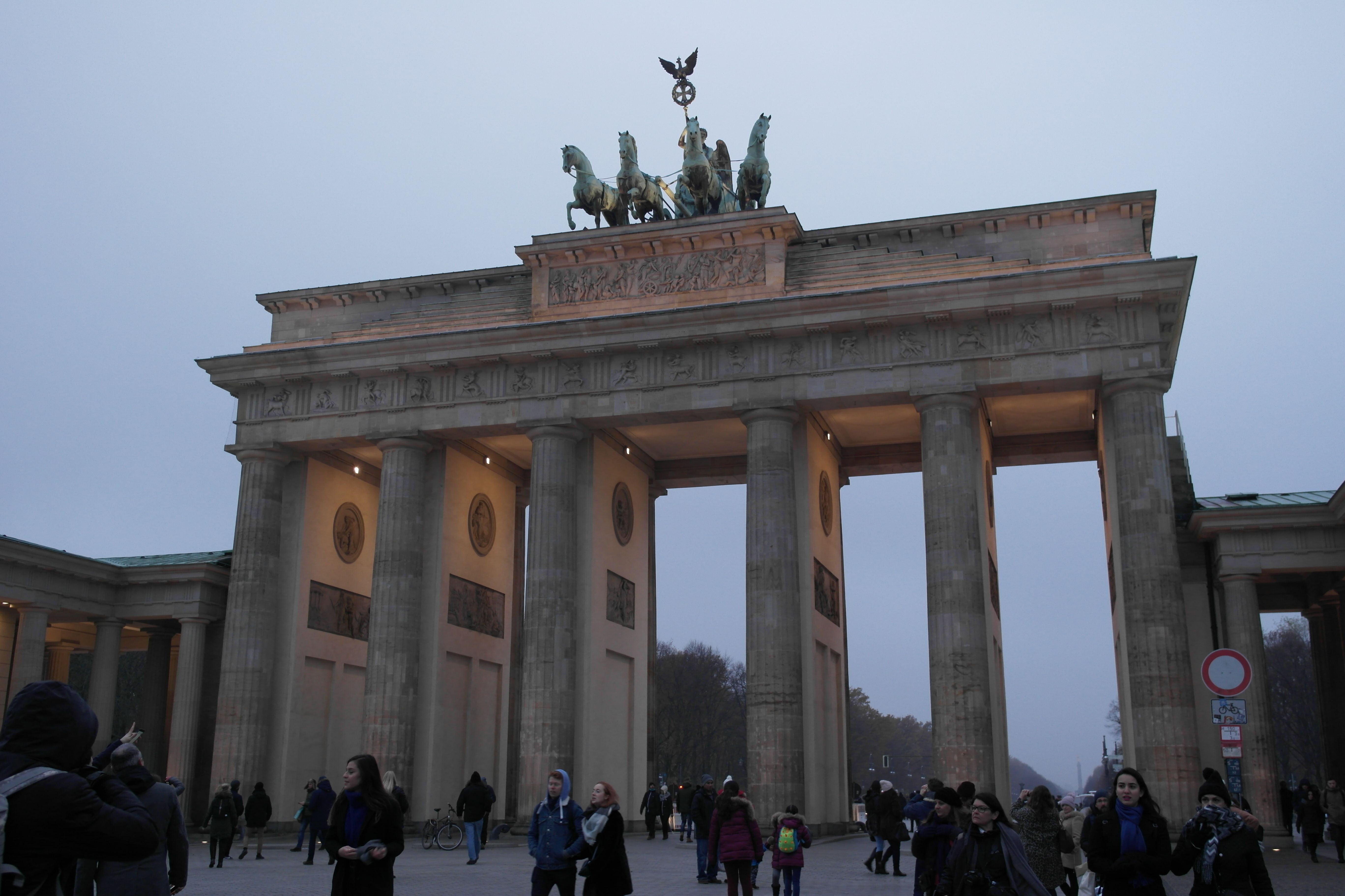 Berlin Brandenburg Gate In 2020 Brandenburg Gate Ferry Building San Francisco Holiday Travel