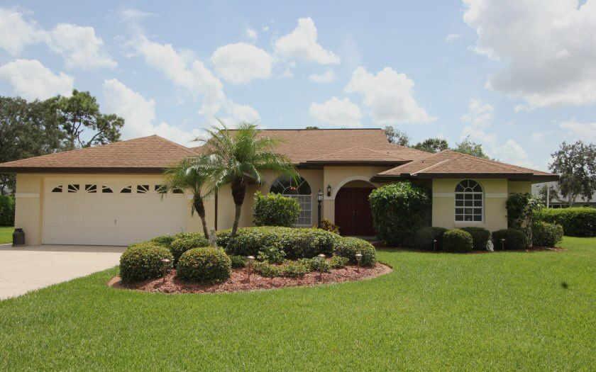 Just Listed 4607 Pitching Wedge Way Sebring Offered At 219 000 Beautifully Maintained Pool Home In Go Florida Home Florida Homes For Sale Sebring Florida