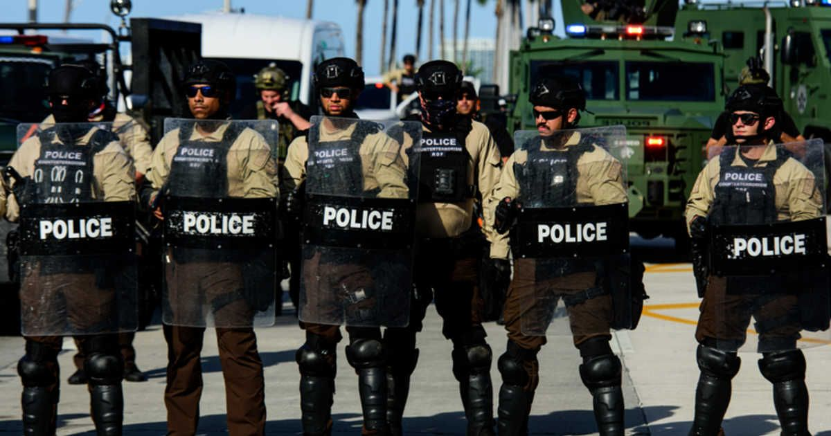 An entire police swat team resigned a week after florida