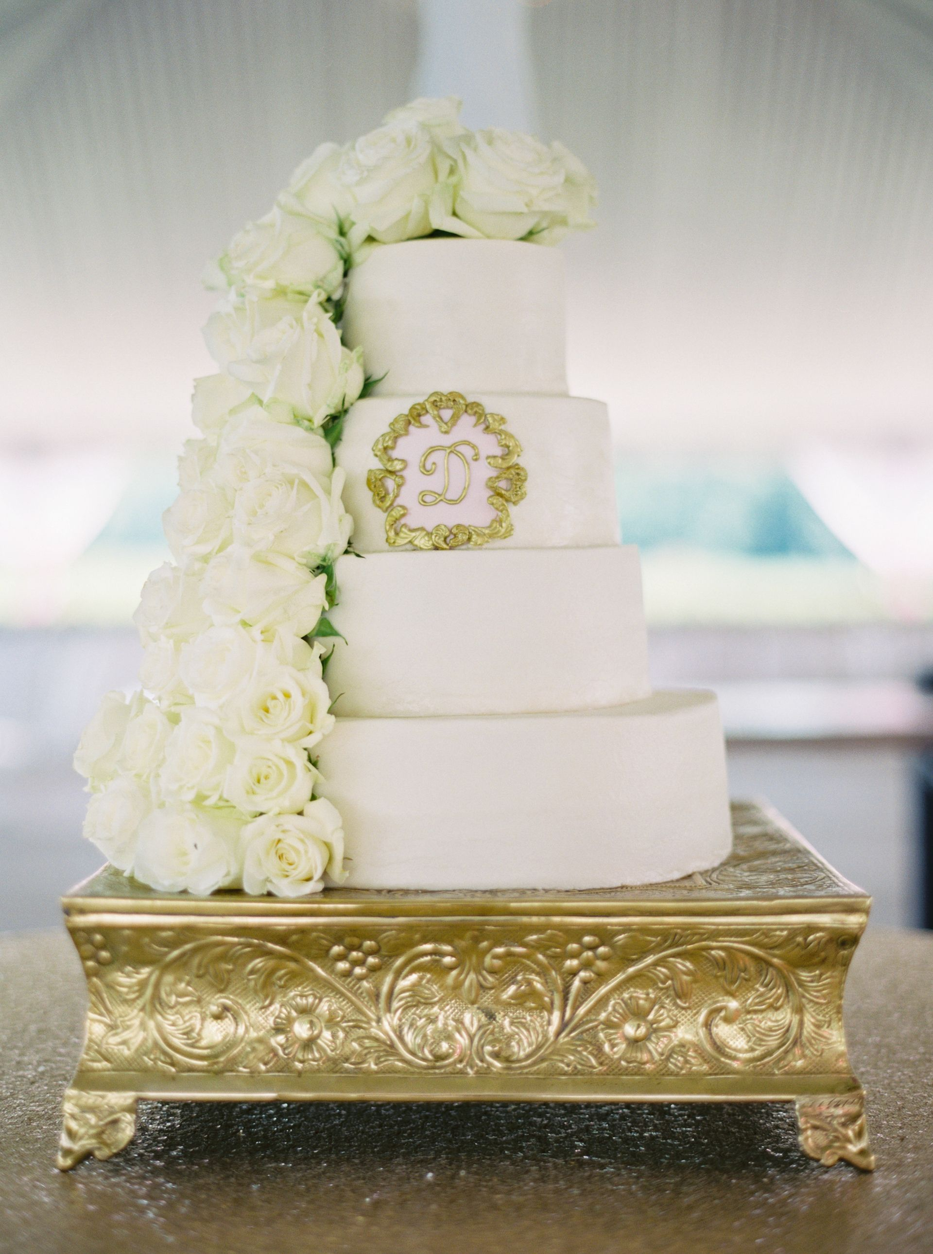 The Smarter Way to Wed | Formal wedding reception, Gold cake stand ...