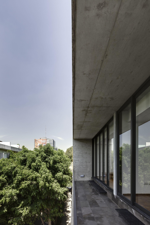 Galería de Edificio Tabasco 127 / JSª - 3