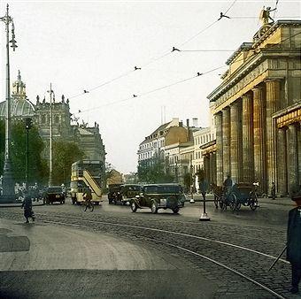 Berlin Brandenburger Tor Und Hindenburgplatz Um 1920 Berlin Geschichte Berlin Historische Fotos