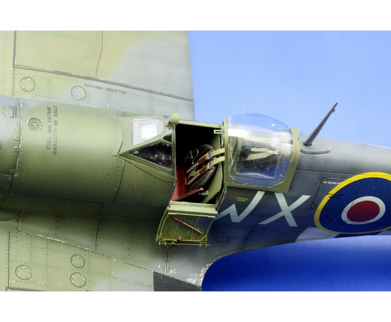 Spitfire Mk Ixc 1 48 Scale Model Model Airplanes Model Planes Model Aeroplanes