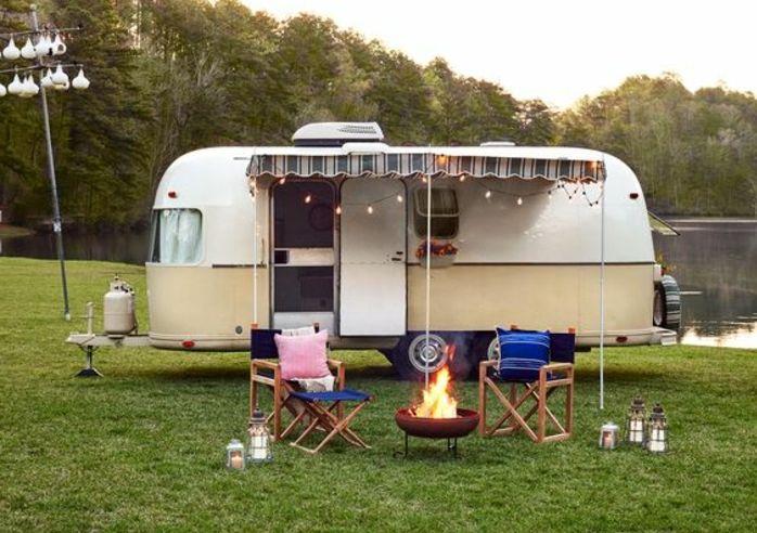 1001 bonnes raisons pour vivre en caravane mobile caravane douce et vivre. Black Bedroom Furniture Sets. Home Design Ideas