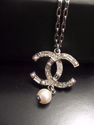 Chanel Adjustable Crystal CC Logo Necklace  Silver https://t.co/JyRf4uqQA8 https://t.co/j9L6Md1kzC