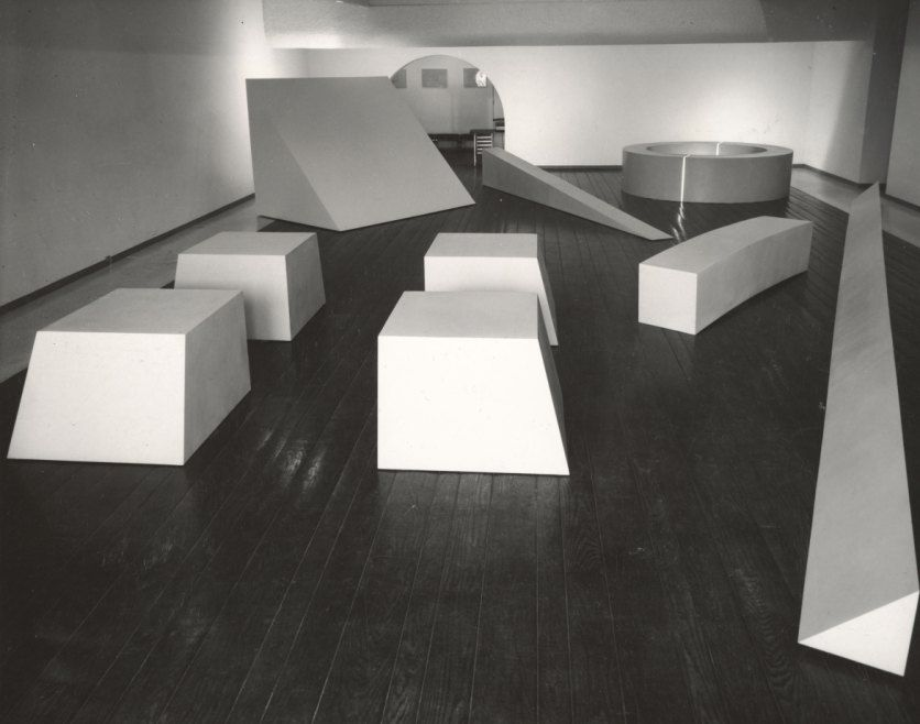 Installation view of Robert Morris—One Man Exhibition at the Dwan Gallery, Los Angeles, 1966.