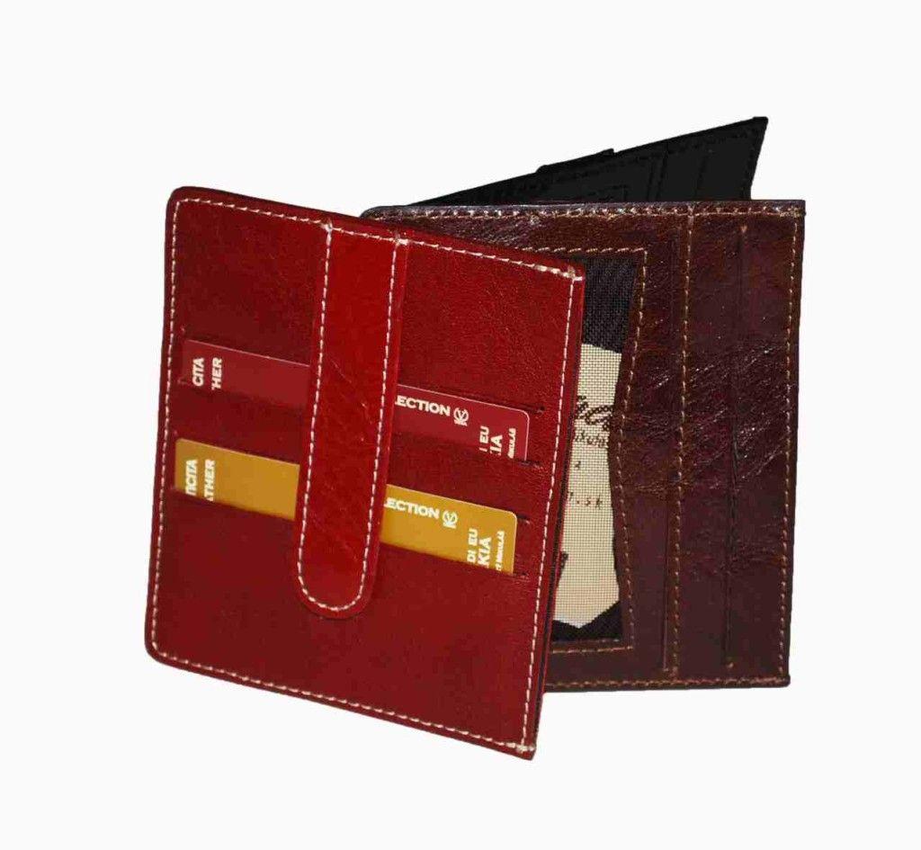Praktická kožená peňaženka vyrobená z prírodnej kože. Kvalitné spracovanie a talianska koža. Ideálna veľkosť do vrecka a značková kvalita pre náročných. Overená kvallita pravej kože.  1 x oddelenie na doklady 2 x ploché oddelenie 4 x vrecko na platobné karty  http://www.odora.eu/produkt/kozena-penazenka-c-8182/