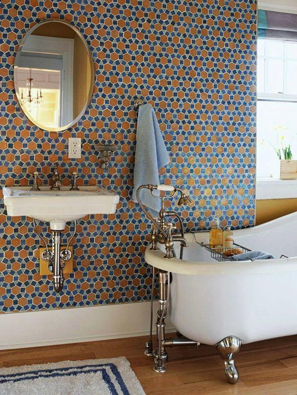 badezimmergestaltung ideen badezimmer wandtapete bunt freistehende badewanne