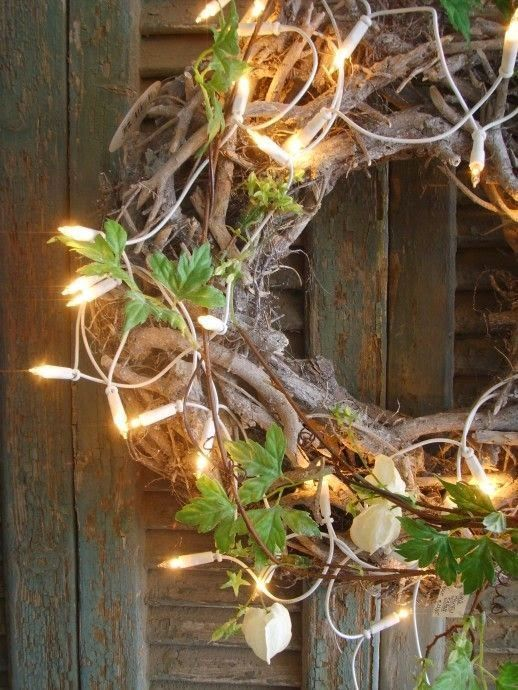 Great rustic Christmas wreath that keep even be left up a bit longer!