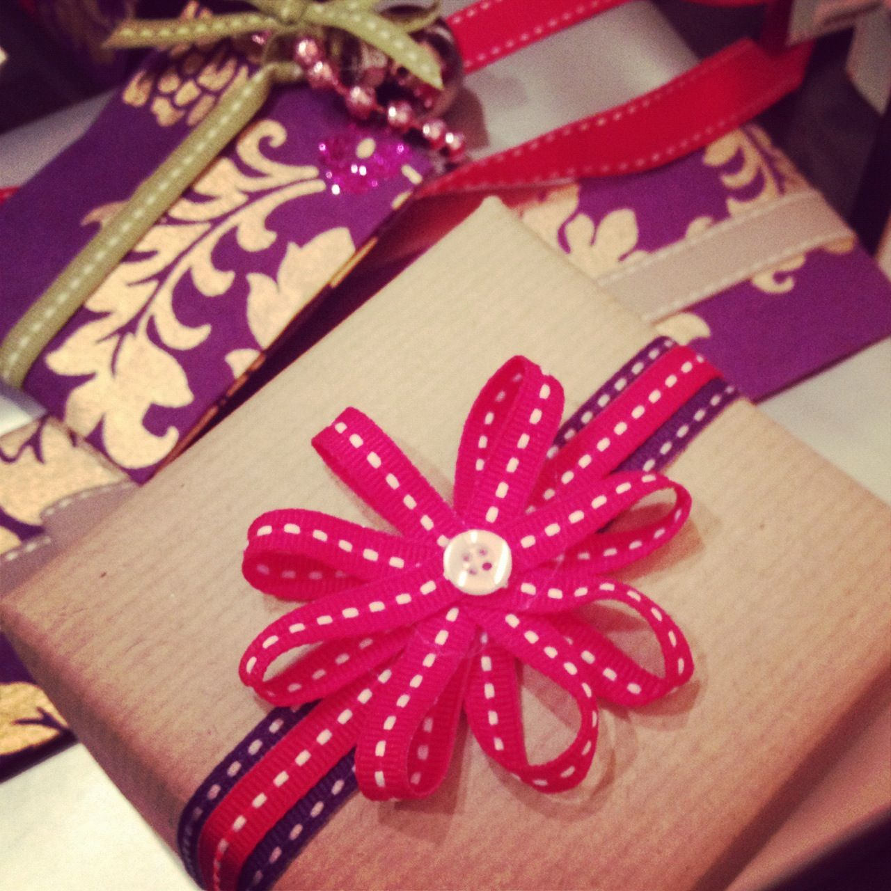 This Japanese Method of Gift Wrapping Will Take You 15 Seconds ...