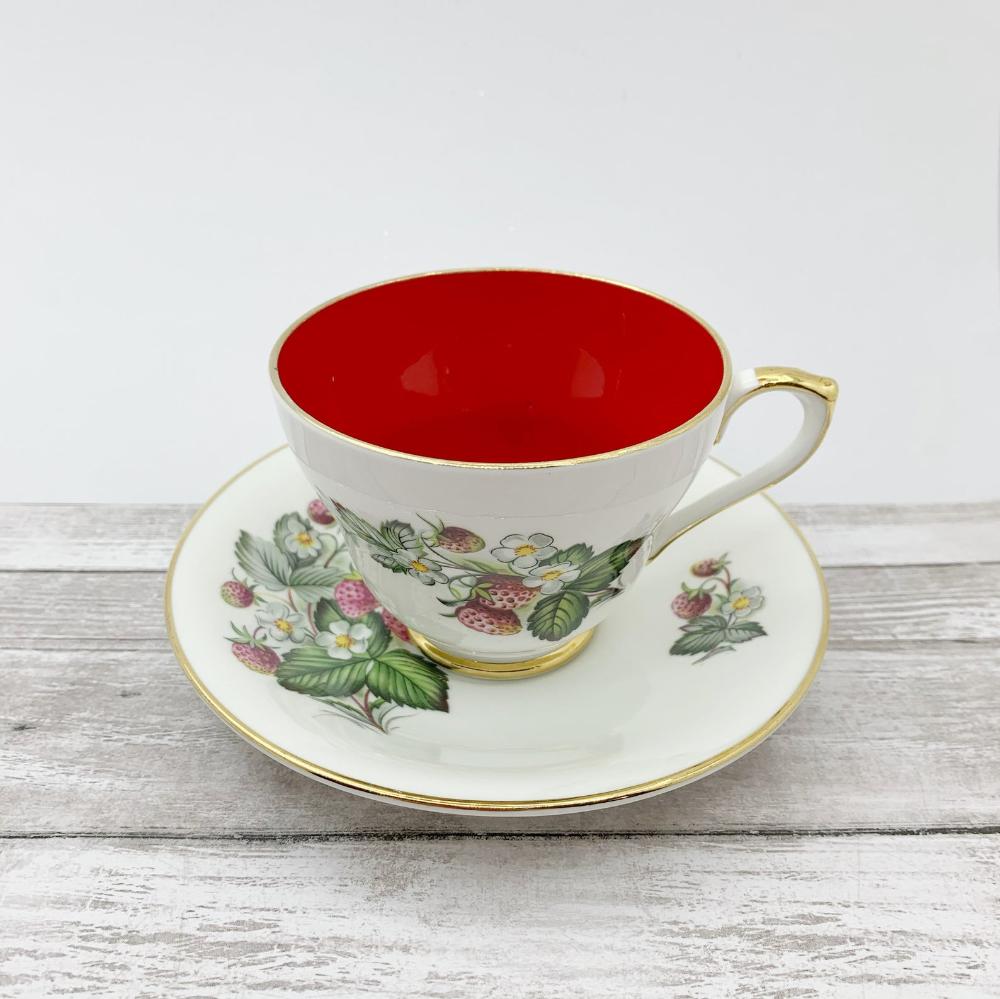 Hm Sutherland Red Strawberry Vintage Tea Cup Vintage Red Tea Etsy Tea Cups Vintage Tea Cups Vintage Tea