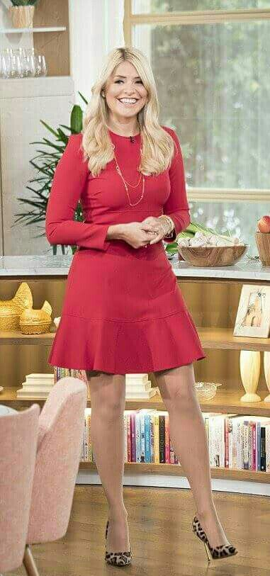 2949197b393 Holly Willoughby
