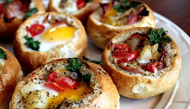 Eggs baked in bread