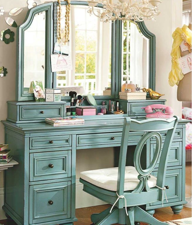I really want this !!! Gorgeous refinished vintage vanity with tri- fold mirror and matching chair!!