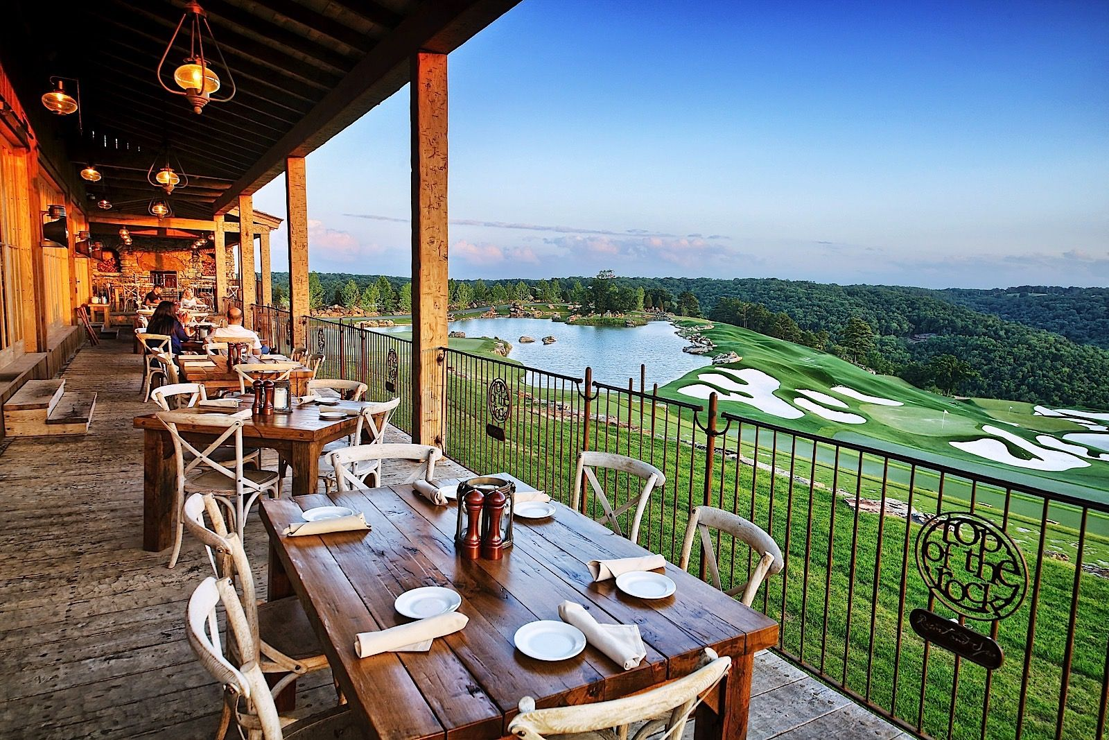 Top Of The Rock Branson Mo Restaurant Arnie S Barn