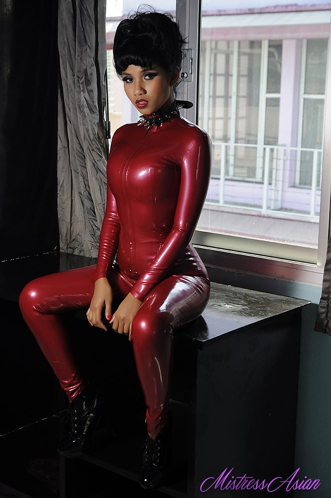 Mistress Asian Xanny Waiting For Her Slave Mistress