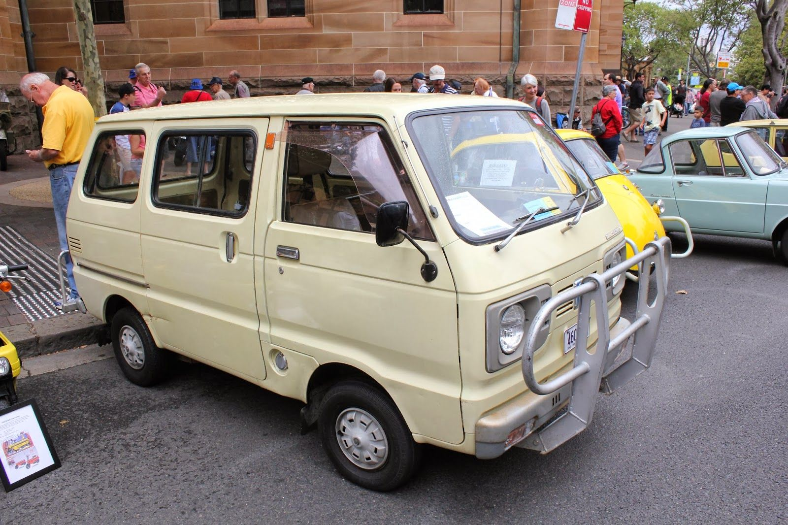 Aussie Old Parked Cars 1979 Daihatsu Hijet Wide 55 Van Autos